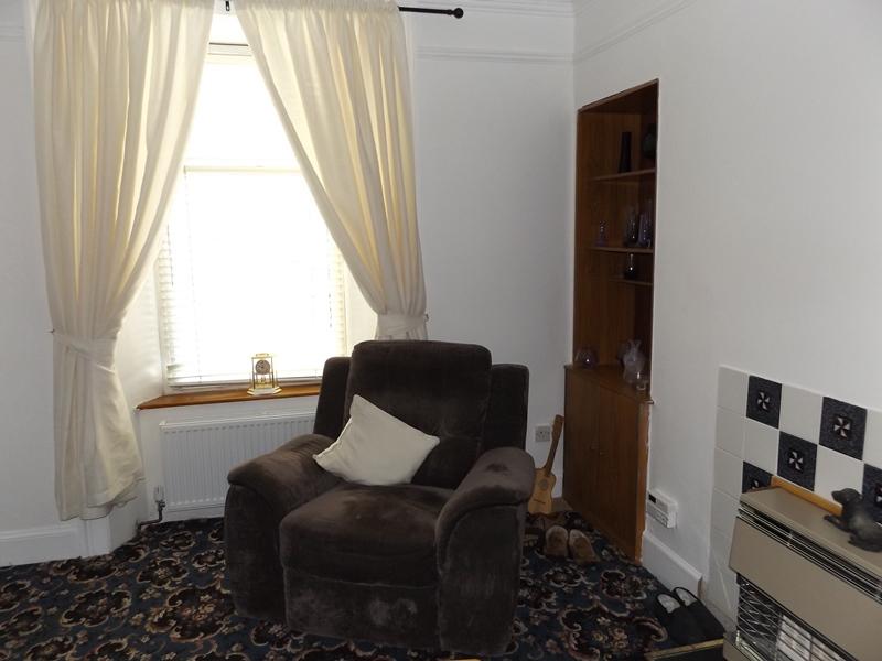 13 Macarthur Lounge