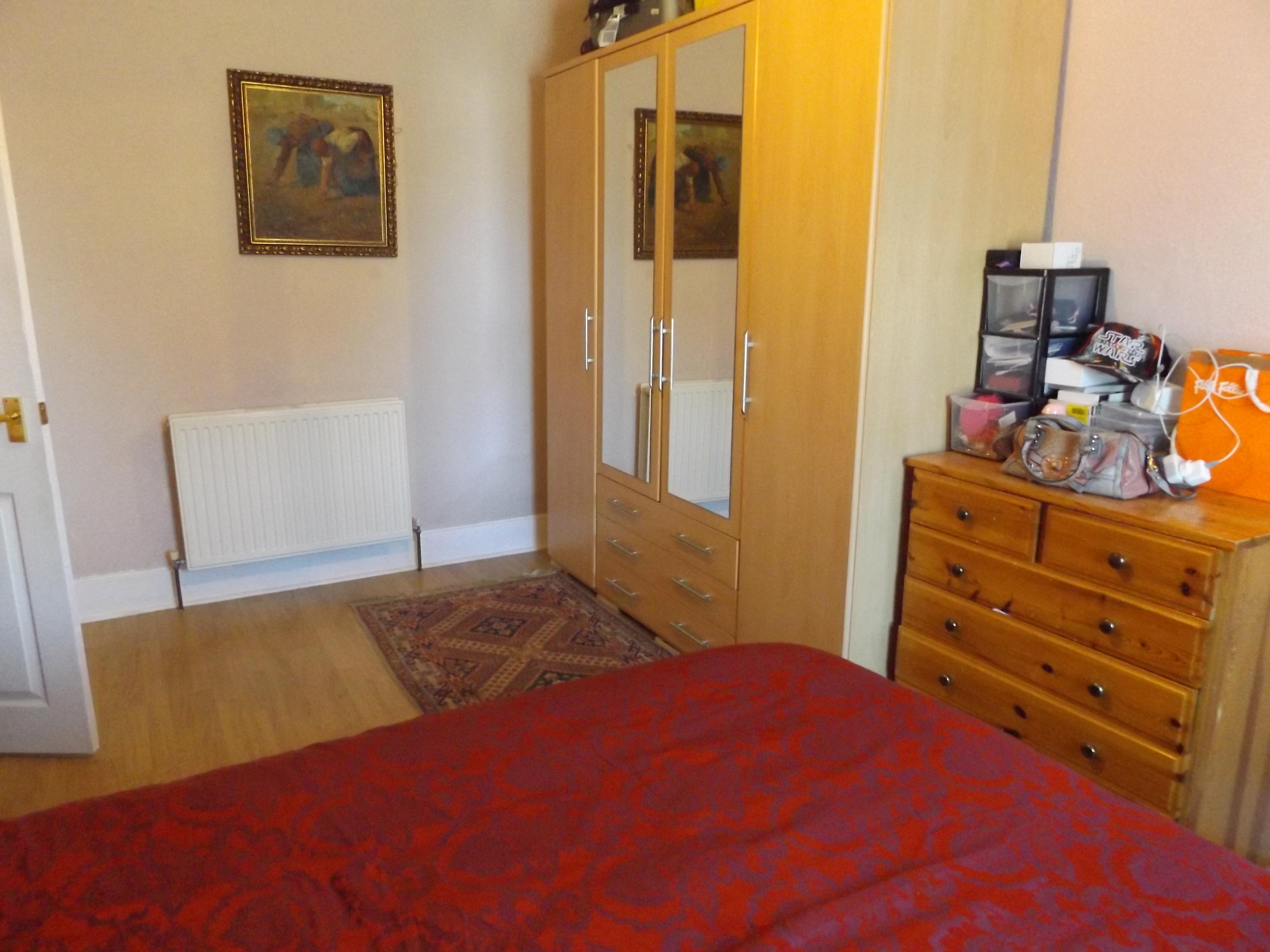 24 Coach Road, bedroom 1