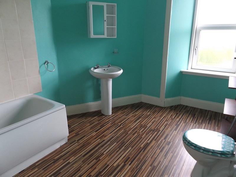 Bathroom 1a