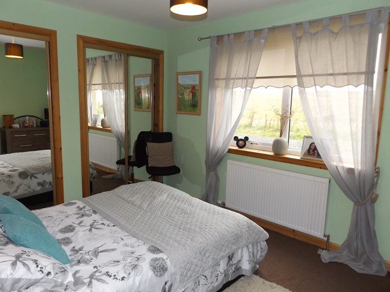Whindiehill, Hillside, bedroom 1a